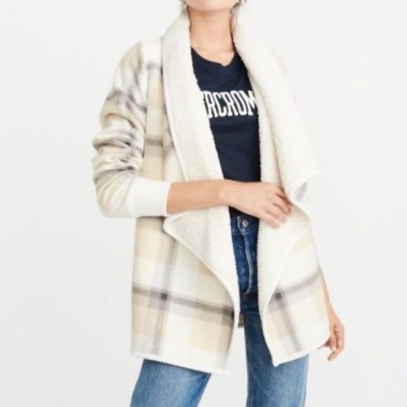 Abercrombie & Fitch Jackets & Blazers - Fleece sherpa jacket